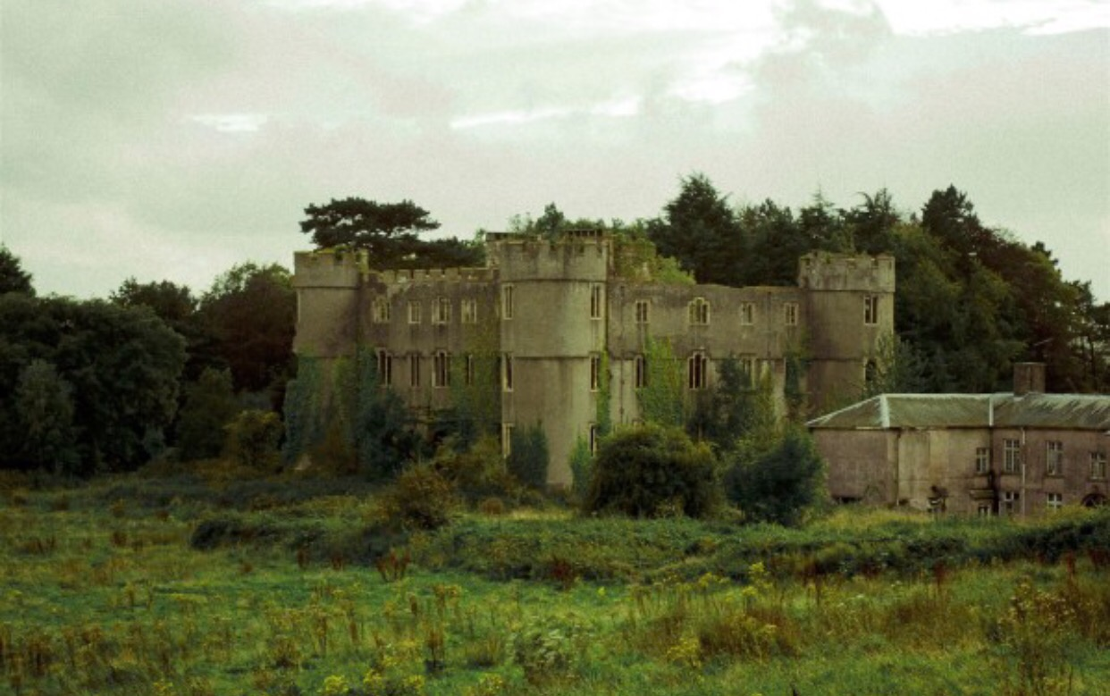 ruperra castle wales haunted houses